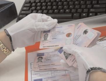 Noi modalităţi de plată a permisului de conducere, certificatului de înmatriculare şi a autorizaţiei de circulaţie provizorie