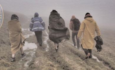 Jandarmeria şi Salvamont: Ajutor pentru doi turişti surprinşi de o ploaie torenţială în munţii Bucegi