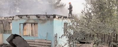 Pompierii dâmboviţeni au lucrat la foc continuu