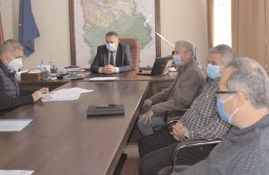 Ultimul lot al celui celui mai amplu proiect de modernizare a infrastructurii rutiere din judeţul Dâmboviţa a fost semnat