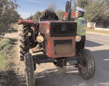 Zeci de sancţiuni contravenţionale pentru şoferii care au încălcat prevederile O.U.G. 195/2002 privind circulaţia pe drumurile publice