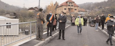 Podul peste râui Iaiomiţa, zona Glava din comuna Moroeni a fost finalizat