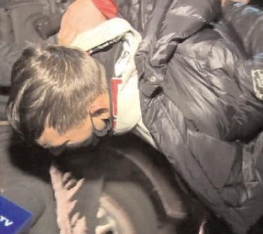 A fost prins bărbatul de 22 de ani, care, la data de 7 noiembrie, a evadat de sub escorta poliţiştilor