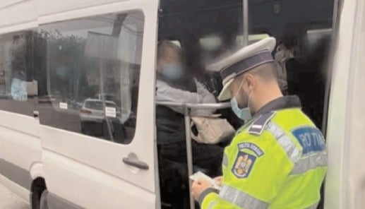 Pentru nerespectarea măsurilor de protecţie individuală, poliţiştii au aplicat 285 de sancţiuni contravenţionale, în valoare 23.000 de lei