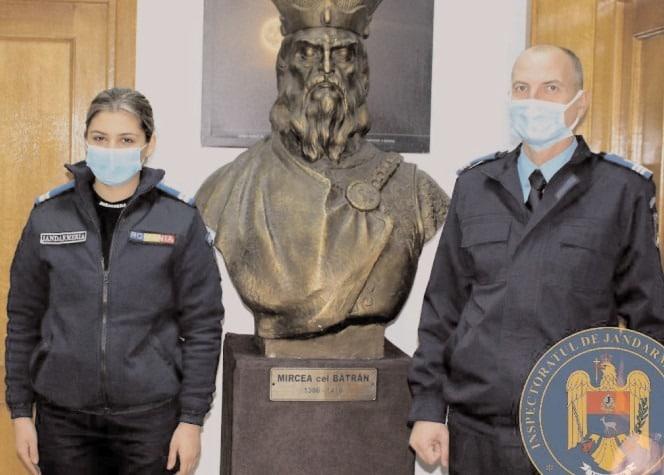 """Andreea, tânăra jandarmeriţă, repartizată la Inspectoratul de Jandarmi Judeţean """"Mircea cel Bătrân"""" Dâmboviţa"""