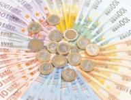 Euro încearcă să treacă peste 4,8750 lei
