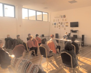 Poliţiştii de prevenire, în vizită la Clubul Pensionarilor Târgovişte