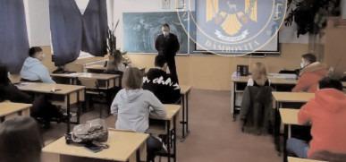 Jandarmii au continuat acţiunile de prevenire în rândul elevilor