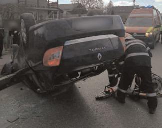 Asigurare de zonă la un accident rutier produs în oraşul Găeşti, cu o victimă încarcerată