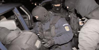 GRUPARE INFRACŢIONALĂ SPECIALIZATĂ ÎN TRAFIC DE DROGURI, DESTRUCTURATĂ DE POLIŢIŞTI