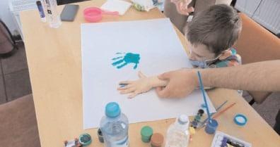 În judeţul Dâmboviţa în anul 2021, sunt înregistraţi 377 de copii cu tulburări din spectrul autist