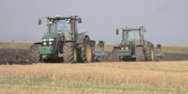 Fermierii mai au câteva zile la dispoziţie pentru solicitarea subvenţiei la motorină