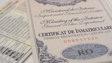 Au fost reţinute 904 permise de conducere şi retrase 682 de certificate de înmatriculare