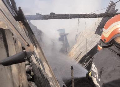 Zeci de intervenţii ale pompierilor dâmboviţeni, în ultimele trei zile
