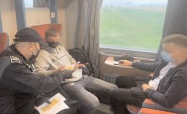 Selfie-ul pe tren nu ia like-uri, ia vieţi!