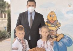 Relaţiile de prietenie dintre Judeţul Dâmboviţa şi Raionul laloveni din Republica Moldova, susţinute şi consolidate de preşedintele CJD, Corneliu Ştefan