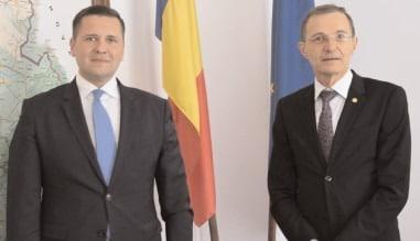 Preşedintele Academiei Române, acad. prof. univ. dr. loan Aurel Pop, întâlnire la sediul Consiliului Judeţean Dâmboviţa cu preşedintele Corneliu Ştefan
