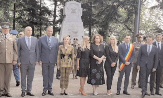 La Târgovişte, manifestări de Ziua Eroilor şi înălţarea Domnului