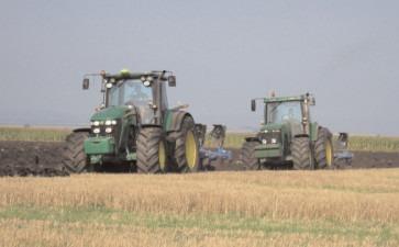APIA: Se depun solicitările pentru subvenţia la motorina utilizată în agricultură, în trimestrul II/2021