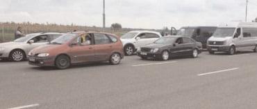 Comerţul cu autovehicule şi motociclete a crescut