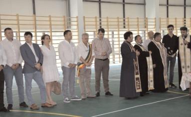Comuna Măneşti se bucură, de astăzi, de o sală de sport nouă