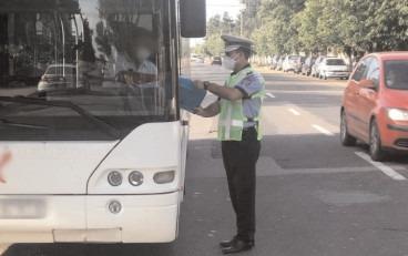 TRANSPORTUL DE PERSOANE, VERIFICAT DE POLIŢIŞTI