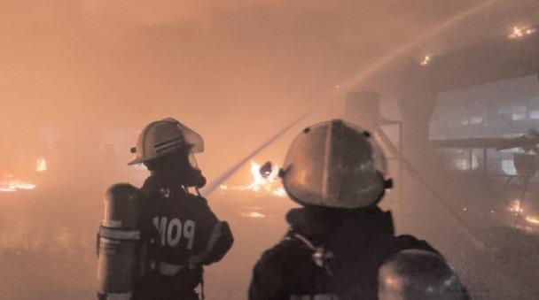 Incendiu la o hală de producție polistiren din Parcul Industrial Mija