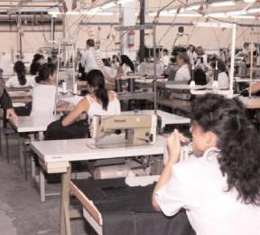Exporturile firmelor dâmbovițene au crescut cu aproape 40% în Trimestrul I