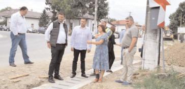 Se lucrează pe cele patru loturi de drumuri județene care fac obiectul celui mai mare proiect de modernizare a infrastructurii rutiere implementat de CJ Dâmbovița