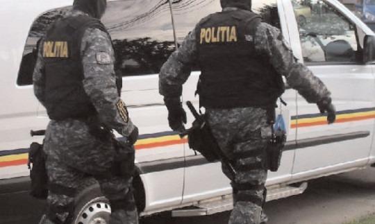 Bănuiţi de comiterea infracțiunii de furt calificat, reținuți de polițiștii din Găești