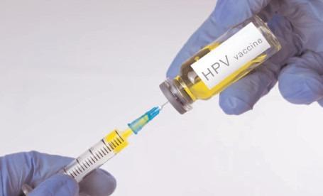 Vaccinarea gratuita anti-HPV, extinsă la fete până la 18 ani