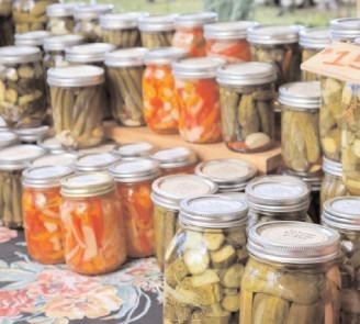 În plin sezon al murăturilor, ANPC descoperă pe piață oțet falsificat